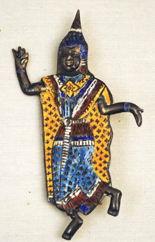 7-enameled-figure-pin-2_thailand